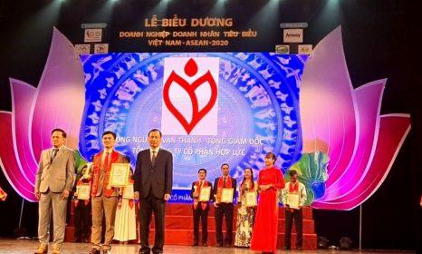 Vinh danh là doanh nhân tiêu biểu Việt Nam – ASEAN 2020