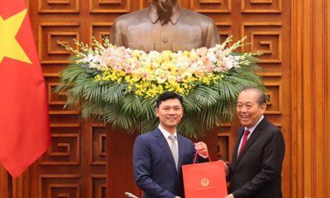 Doanh nhân Nguyễn Văn Thành nhận bằng tiến sĩ danh dự cá nhân đơn vị sở hữu kỷ lục tiêu biểu của Việt Nam